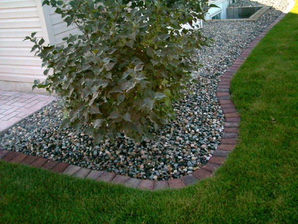 Paver Edge borders are low maintenance.