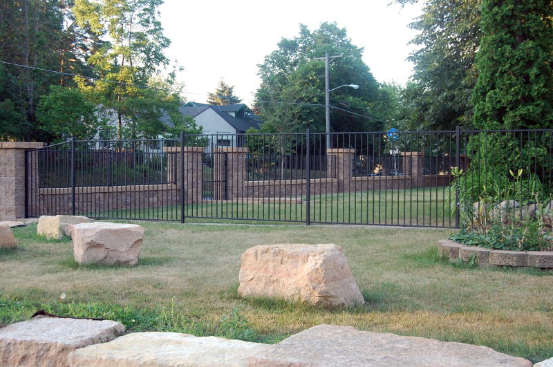 Free Standing Retaining Walls Sitting Walls And Columns